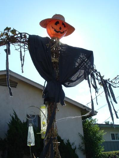 RE: Homemade Halloween Decorações