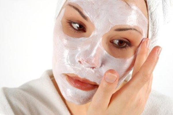 http://images.thriftyfun.com/img/003/807/face_mask_l.jpg